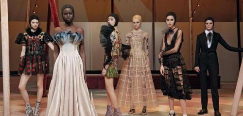 Fashion Week Haute Couture:  la parade enchantée