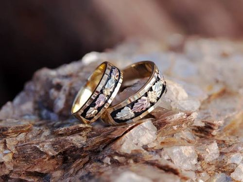 How Is A Popular Black Hills Gold Jewelry Made?