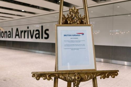 Londres Heathrow:  British Airways fête la naissance du Royal Baby