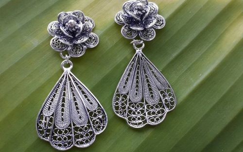 What is Filigree Jewelry