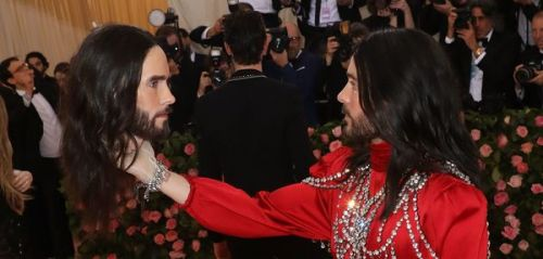 Jared Leto, Jennifer Aniston et Lottie Moss. l'actu des people en bref