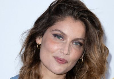 Laetitia Casta:  sublime en robe transparente