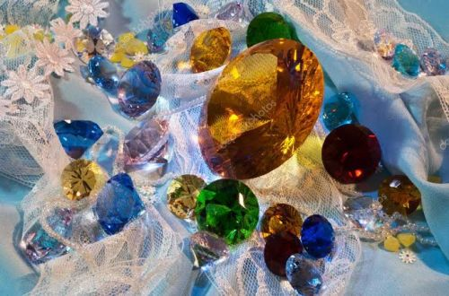 Birthstones: What Each Of The 12 Birthstones Symbolizes?