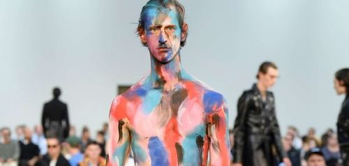 Fashion Week Homme:  le maquillage se conjugue aussi au masculin