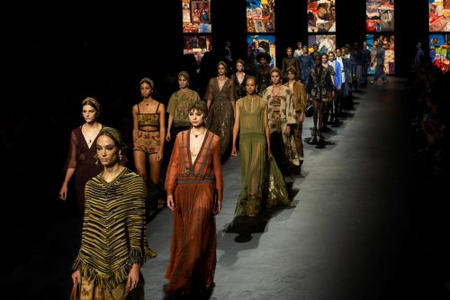 Fashion week 2020 : distanciation fatale et anticorps créatifs