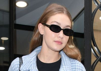 Gigi Hadid:  son look complet tie and dye dont on raffole !