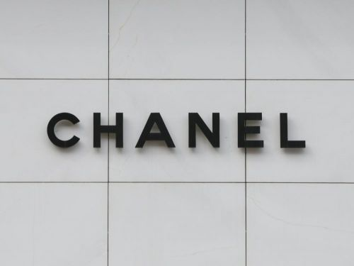 "Chanel sans Lagerfeld: le groupe reste ""en position de force"""