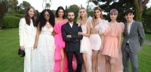 Giambattista Valli x H & M : une capsule haute couture mais accessible