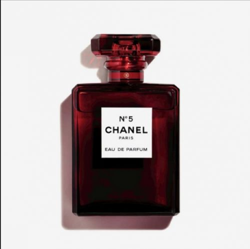Chanel N°5 s'embaume de rouge