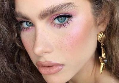 Le « Lion Mane Brow » la tendance sourcils qui affole Instagram